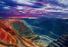 2-gold-mining-stocks-avoid